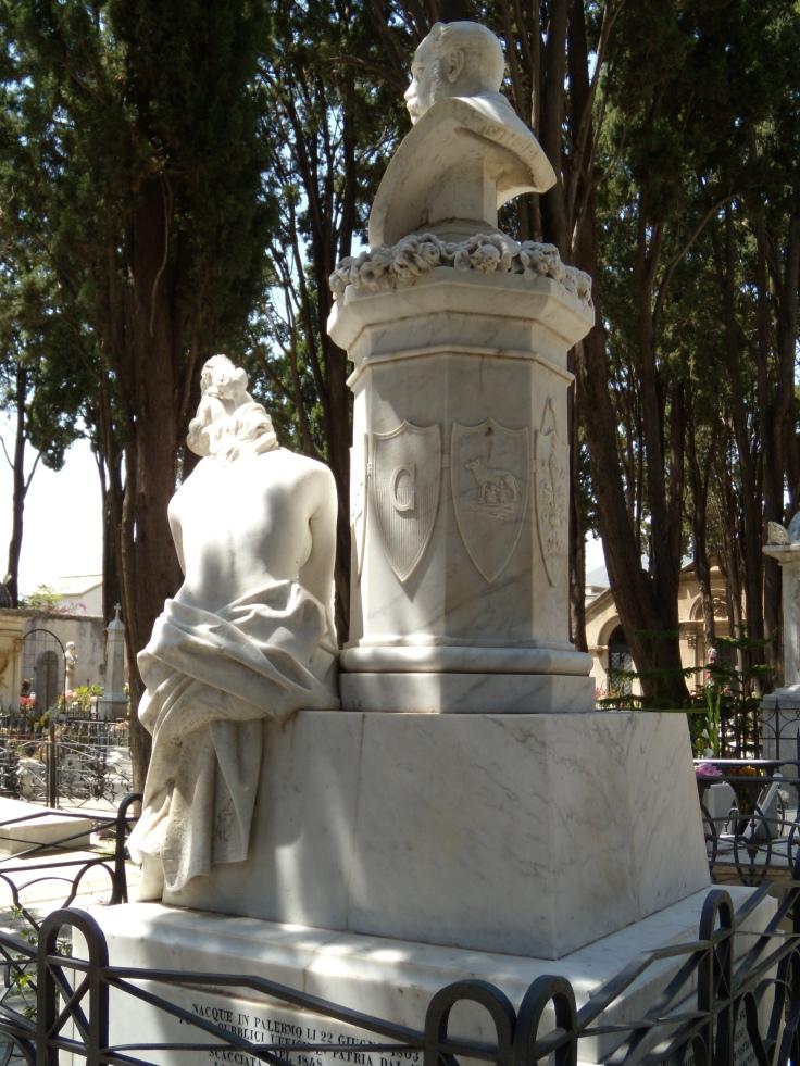 Monumento per Michele Amari 2