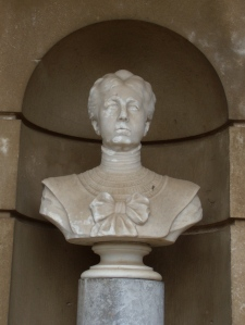 Busto T.LoVico