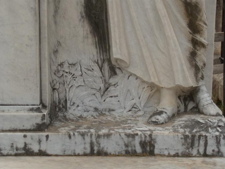 Monumento Fauci3