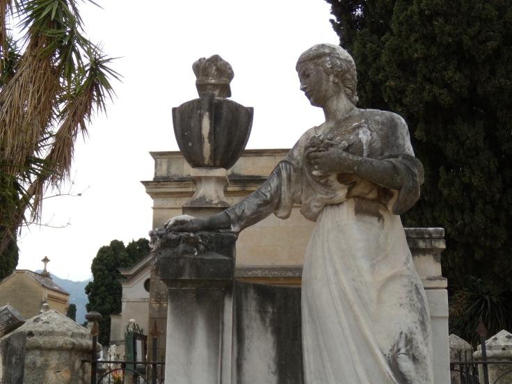 Monumento Fauci2