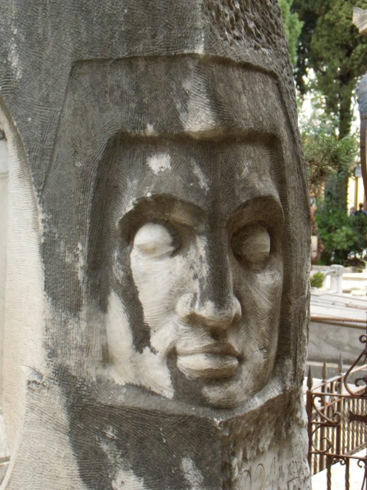 Monumento Castellana3