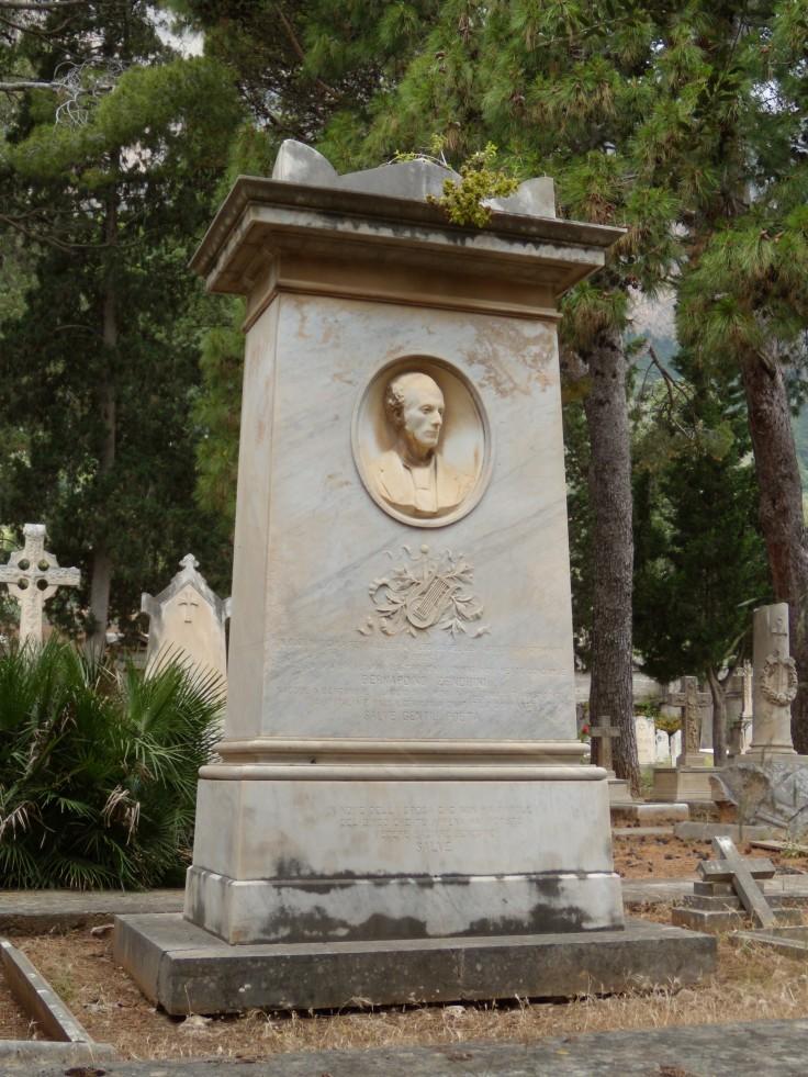 Monumento B. Zendrini