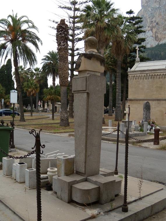 monumento_cosenz3