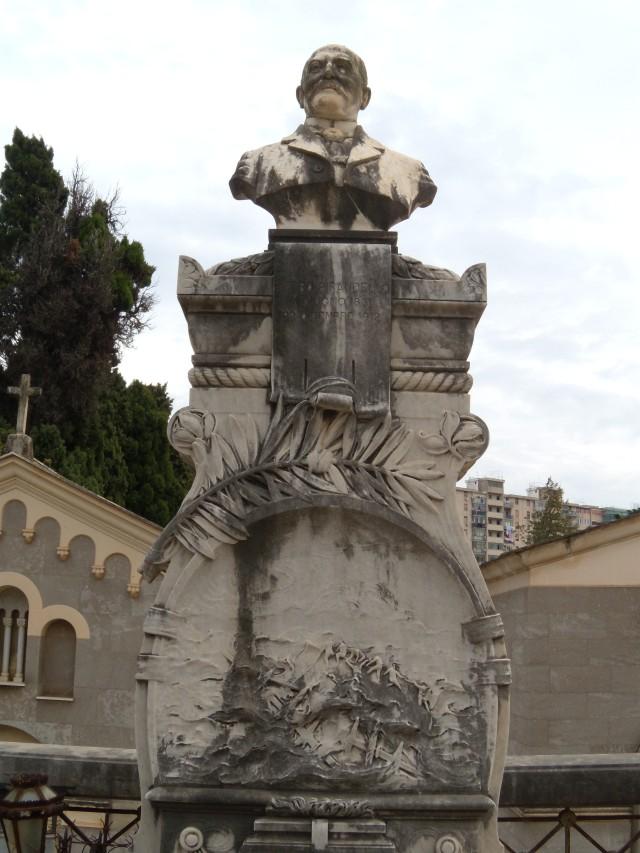 monumento P.Pirandello2