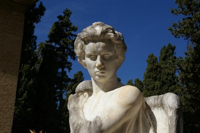 monumento_mineo2