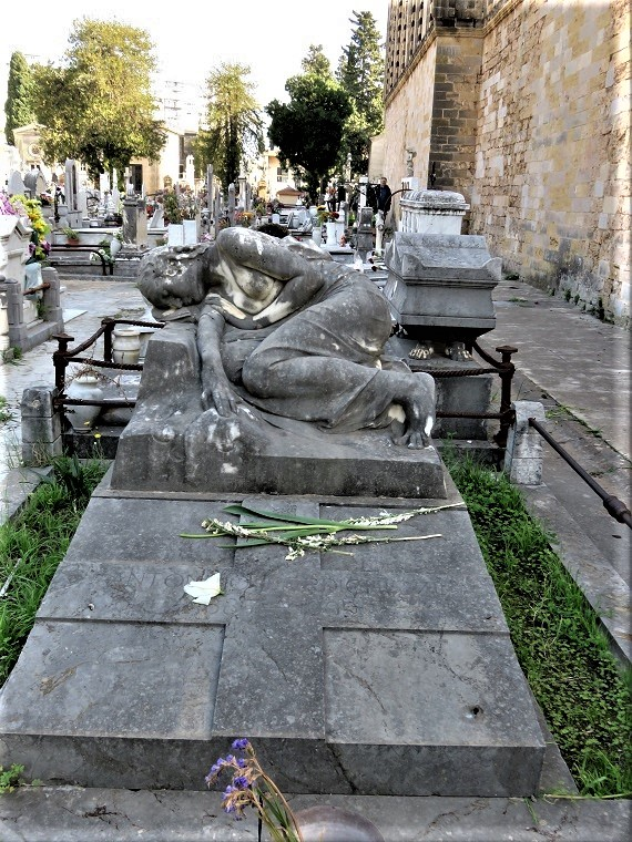 monumento_perdichizzi_1